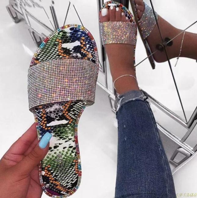 горный хрусталь тапочки 2019 новых женщин моды дикий пляж флип-флоп яркий алмаз плоские нижние наружные дикие студенческие сандалии
