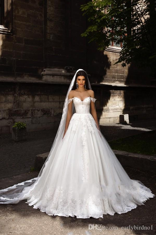 Vintage Off Shoulder Lace Tulle A-line Wedding Dress Luxury Appliqued Beaded Princess Bohemain Beach Church Bridal Gown