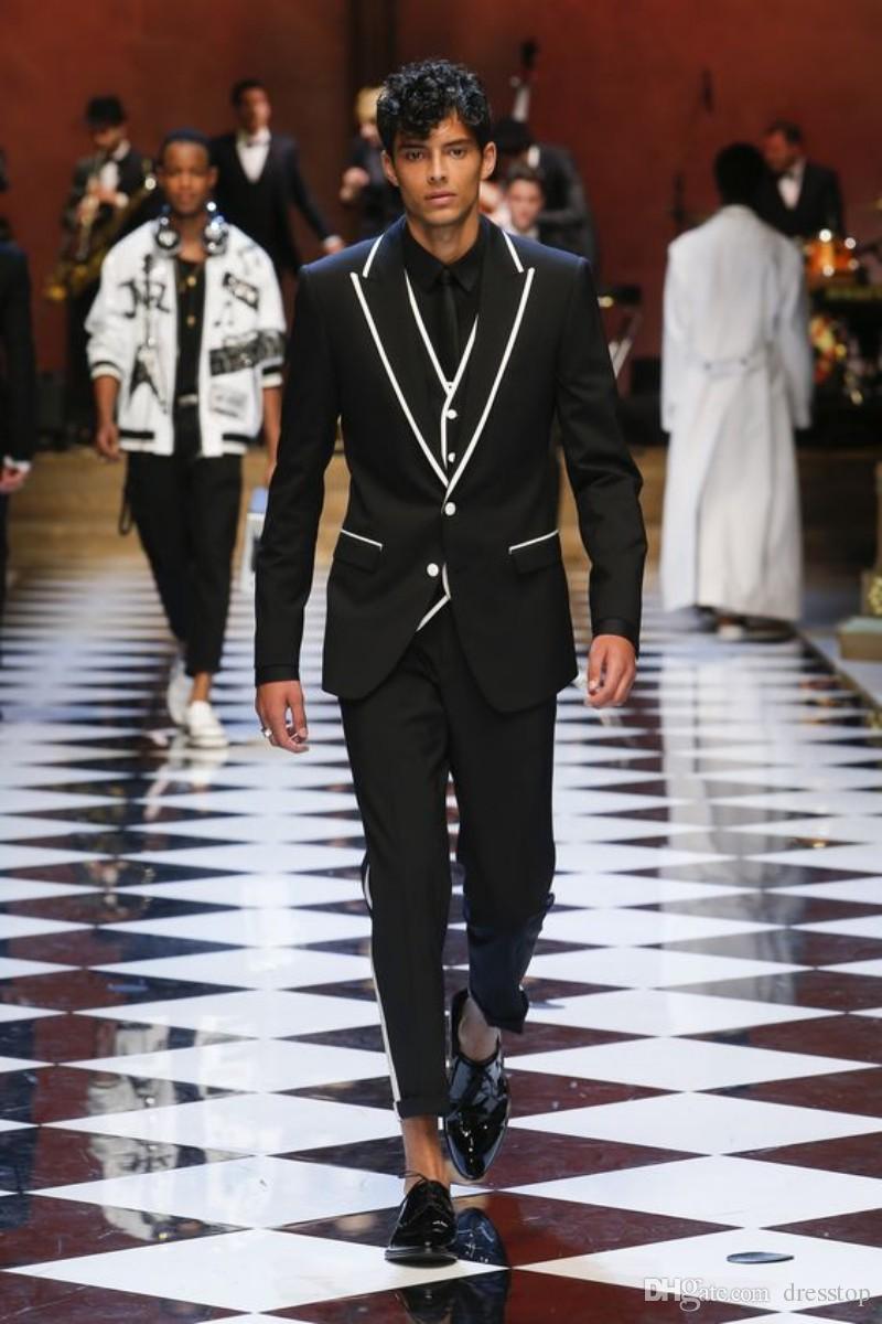 Runway Handsome Groomsmen Notch White Lapel Groom Tuxedos Black Men Suits Wedding/Prom Best Man Blazer (Jacket+ Pants+Vest+Bowtie)