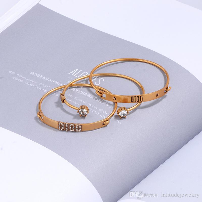 Diseñador de lujo joyería mujer pulseras traje retro traje traje de tres piezas braceltas letra de gama alta diamante encanto pulsera para hombres joyería de moda