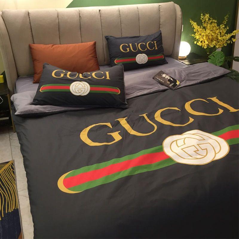 Alta qualidade de cama Edredons Define conjuntos de roupa de cama de luxo de moda Cotton Quatro peças com lençóis e Two Pillowcase