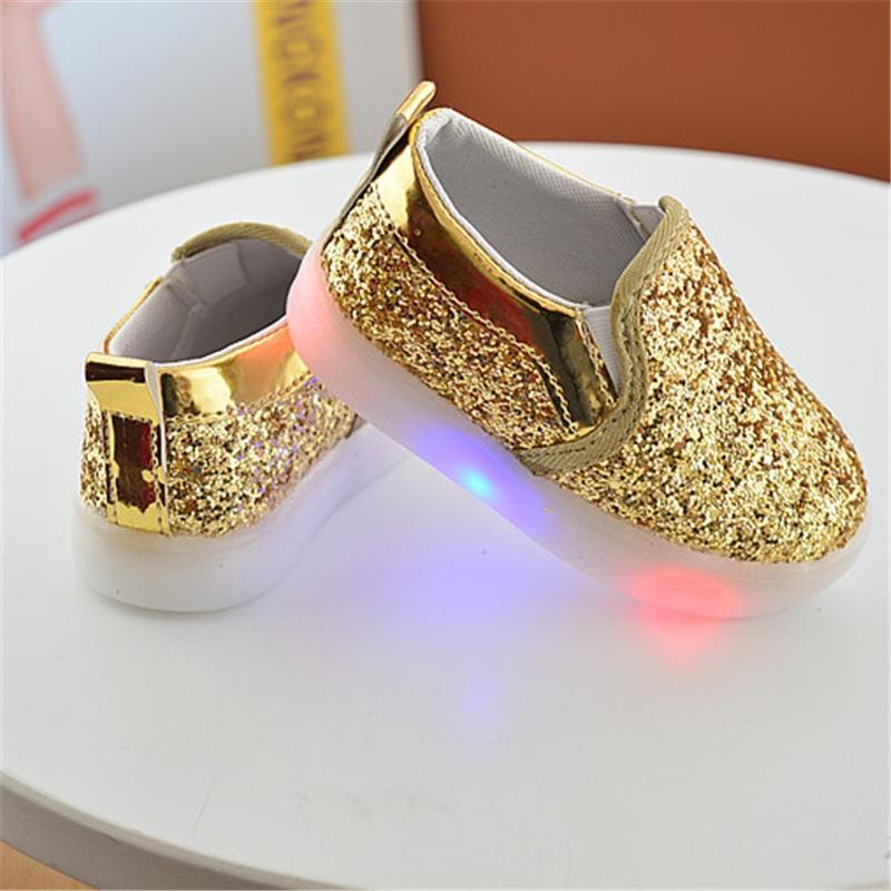 I bambini illuminano le scarpe da ginnastica per le scarpe da bambina in PU per quattro stagioni