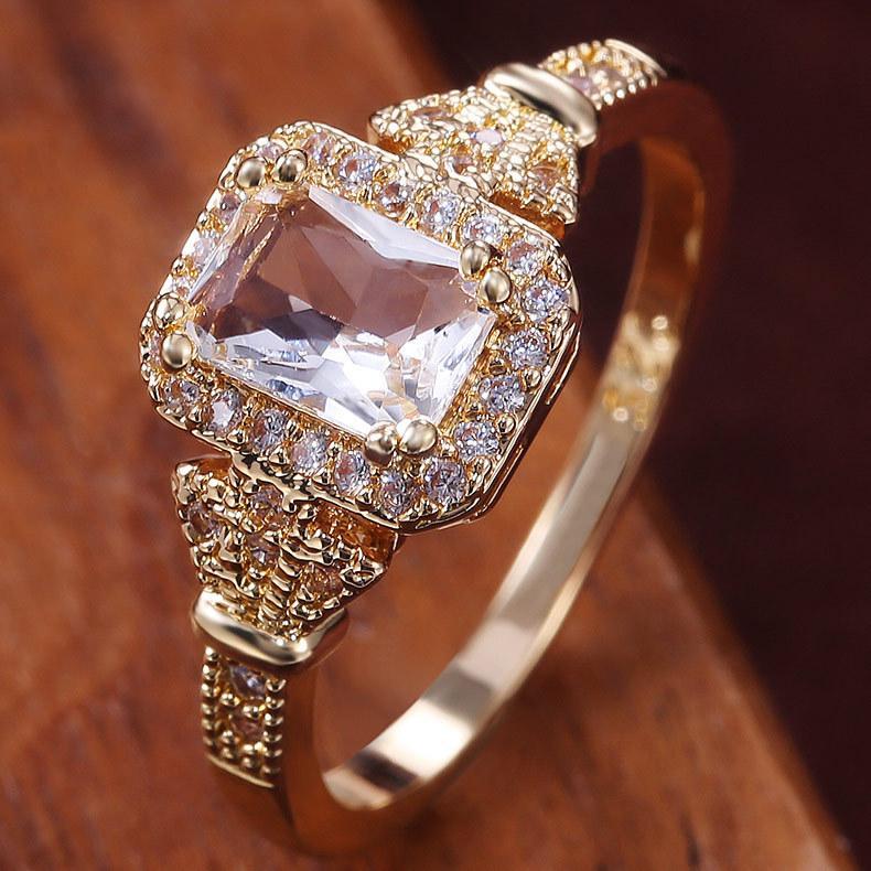 Retro design European and American fashion claw-set rectangular zircon ring Golden wedding party jewelry