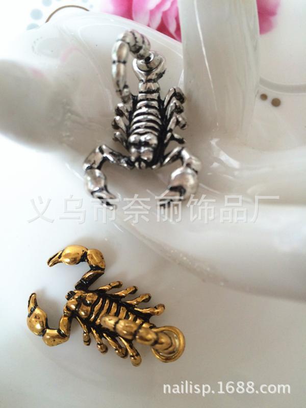 Neue Art Harajuku Stereo Tier Scorpion Front und Rückseite Piercing Ohrstecker für Männer und Frauen kühle Ohrringe