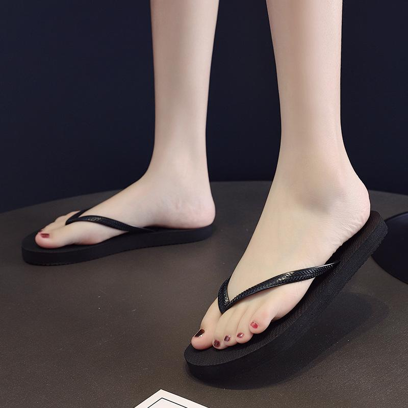 Summer Women's Flip Flops High Quality Beach Sandals Casual Flat-heeled Sandals Anti-Slip slippers Beach Open Toe Shoes For Lady