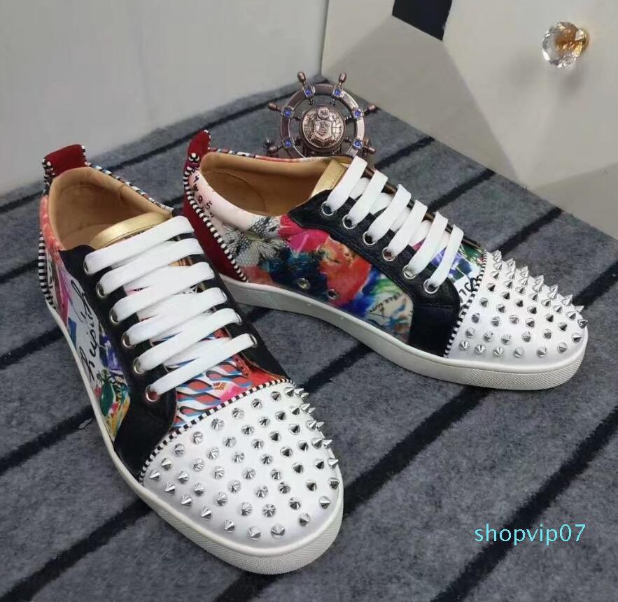 Modedesigner off Männer Loafer Schuhe für Mens echtes Leder-Sportplattform zapatos neue Ankunft Fahrt Freizeitschuhe der Boden ist rot fg56i