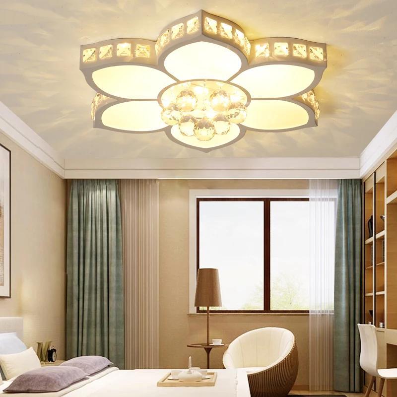 Neue Ankunfts-Weiß-Finish Kristall Moderne LED-Deckenleuchter für Wohnzimmer Schlafzimmer Dia520 / 680 / 800mm Kronleuchter Befestigungen Freies Verschiffen