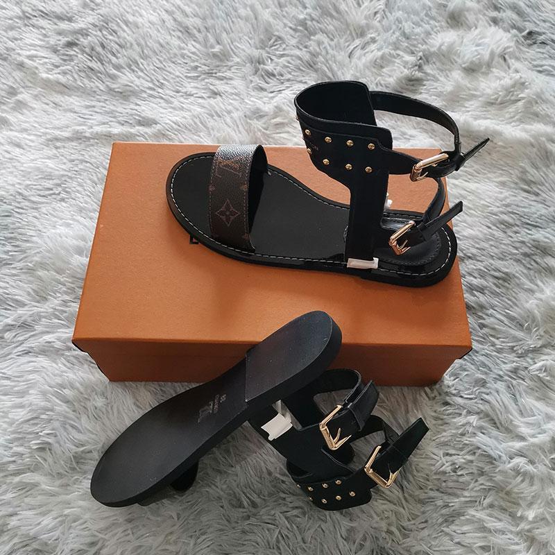 2020 yeni moda lüks bayan çevirme süper starlar kadınlar Klasik rahat ayakkabılar Kum sürükleme L8001 için gerçek deri düz sandaletler yazdır flop