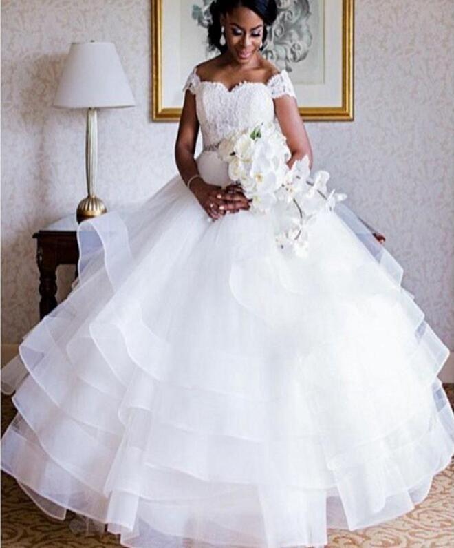 Wholesalers indien hors épaule blanc robe de mariée robe de bal Backless robe de mariée pour les femmes noires robes de mariée princesse