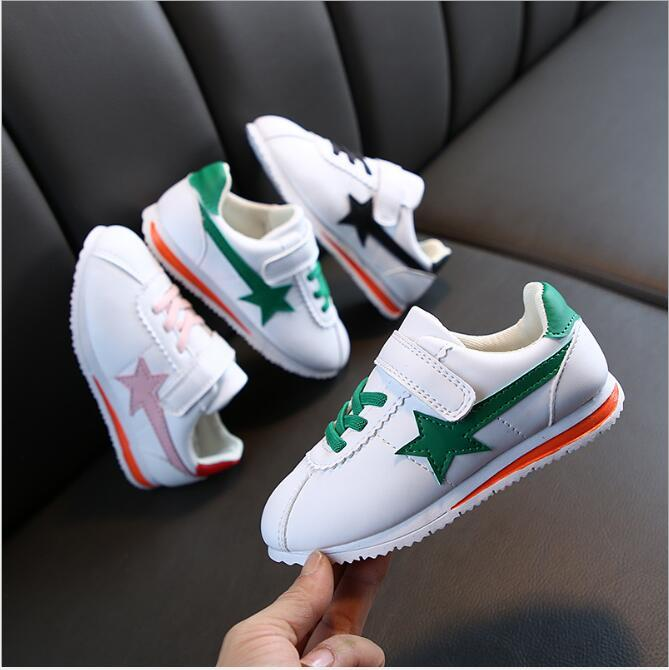 Novas crianças sapatos Forrest Gump primavera meninos vermelhos líquidos Meninas Running Sports sapatos casuais pequenos sapatos brancos das crianças