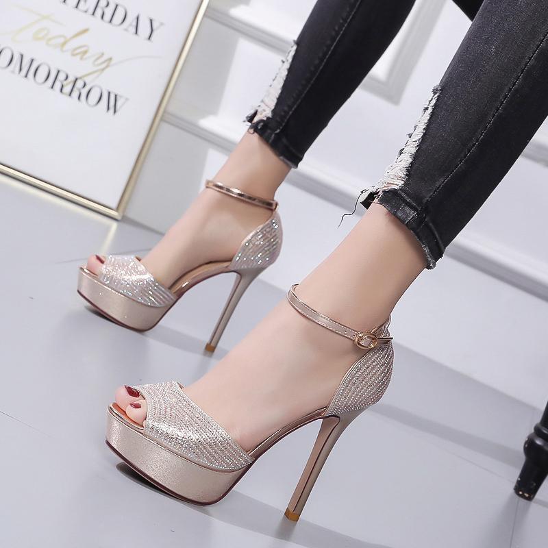 Femmes Boucle Peep Toe de talons plate-forme Slides été haut talon chaussures en cristal creux Pompes Zapatos Mujer Argent Champagne