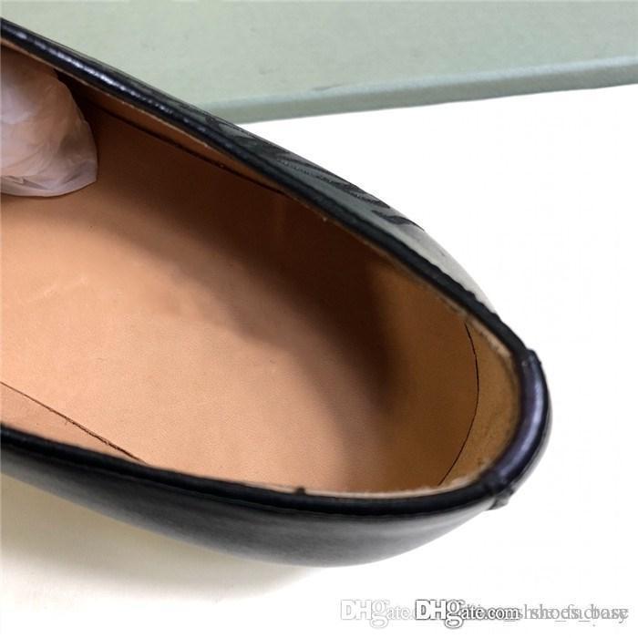 Großhandel Neue Leder Oxford Schuhe Formelle Business Business Schuhe Aus Rindsleder Herrenschuhe Mit Großen Ledersohlen Und Kunstvoll Geschnitzten