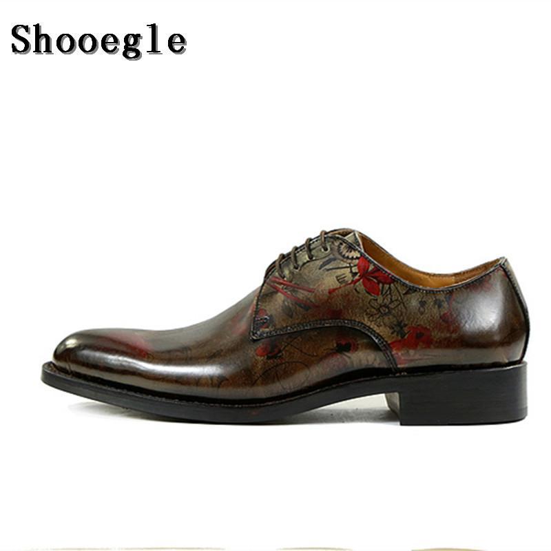 Estilo Bronze impressão SHOOEGLE Homens Vintage Sapatos de couro de alto grau Handmade Oxfords Homens Lace-up Shoes Vestido com Exquisite Caixa