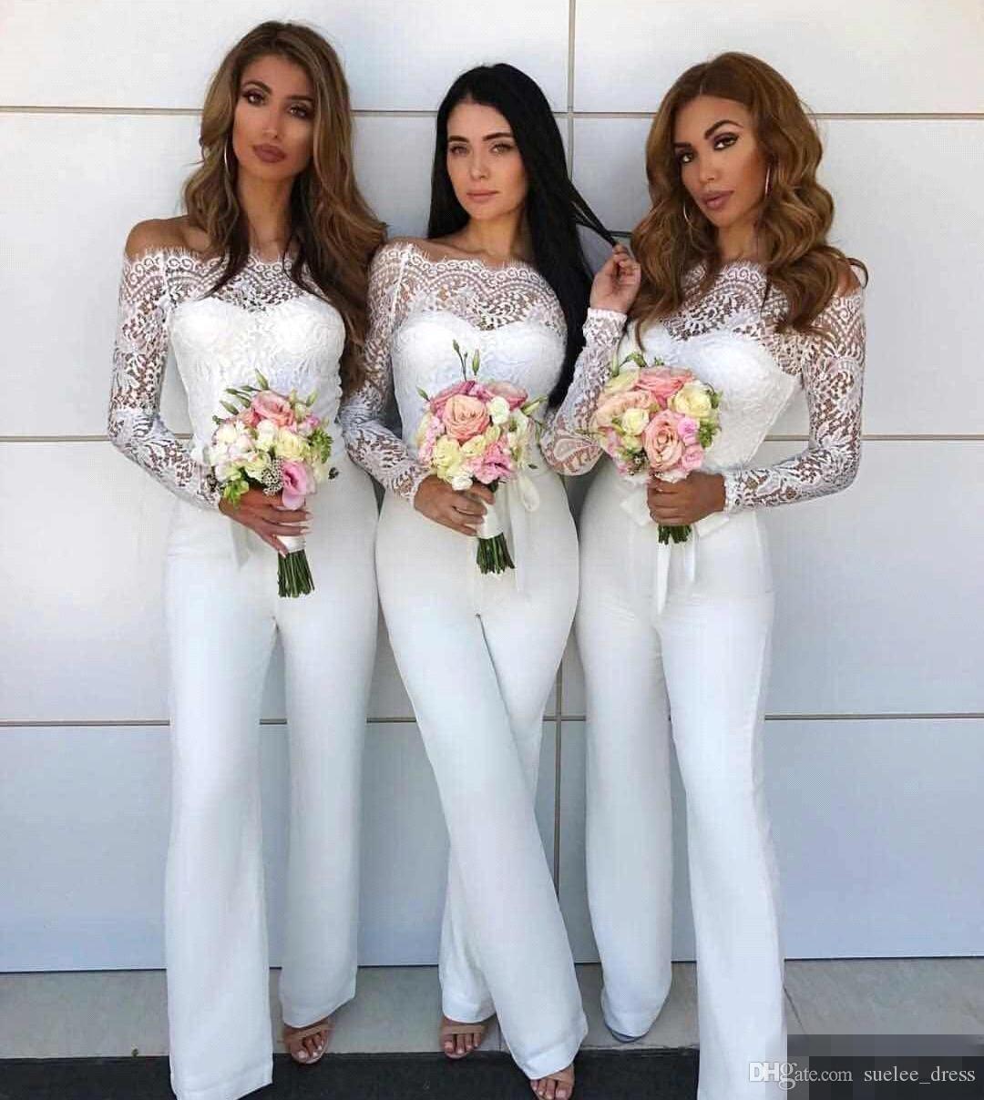 Off Shoulder Pizzo tuta abiti da damigella d'onore abiti bianchi Chiffon pantaloni adatti a maniche lunghe Maid of Honor Gown Personalizzato Made Plus Size