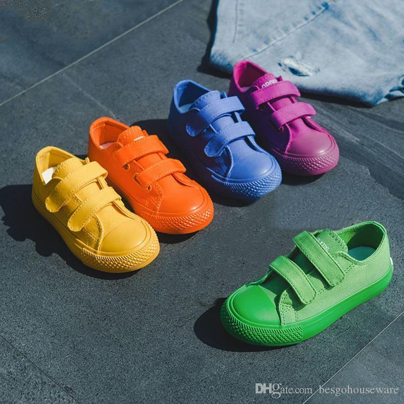 Ragazzi ragazze all'aperto scarpe casual per bambini tela solida scarpe magie bastone 2019 bambini 5 colori basse sneakers scarpe traspiranti BH1419 TQQ