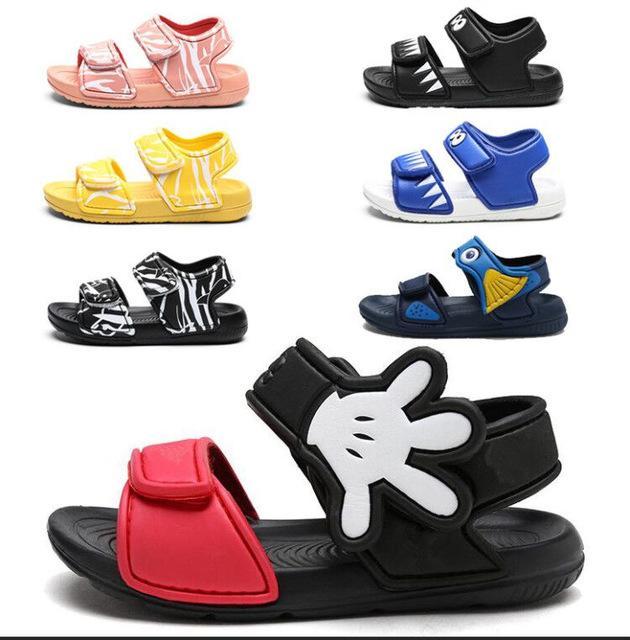 2020 여름 구멍 신발 귀여운 만화 샌들 키즈 소년 소녀 미끄럼 방지 비치 신발 방수 만화 플라스틱 신발 아기 고무 샌들