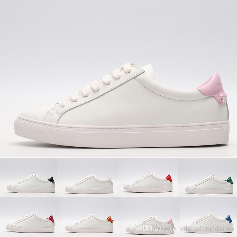 Scarpe di design classiche di lusso per gli uomini Donne in pelle bianca con scarpe casual rosa rosso verde Scarpe da passeggio per le feste da matrimonio piatto da skateboard 35-44