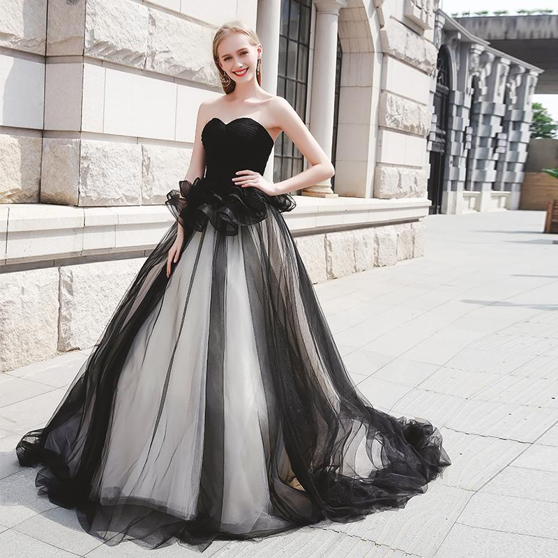 Современная милая тюль черно-белое свадебное платье А-силуэта с оборками на талии готические свадебные платья на молнии сзади скидка свадебные платья