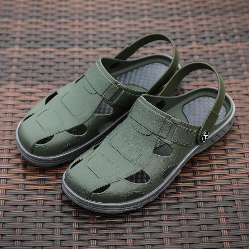 Agujero zapatos masculinos de los hombres de las sandalias Sandalias Hombre Zapatos crocse Sandles para hombre sandalias de los hombres zapatillas de verano Sandalet Nuevos 2020