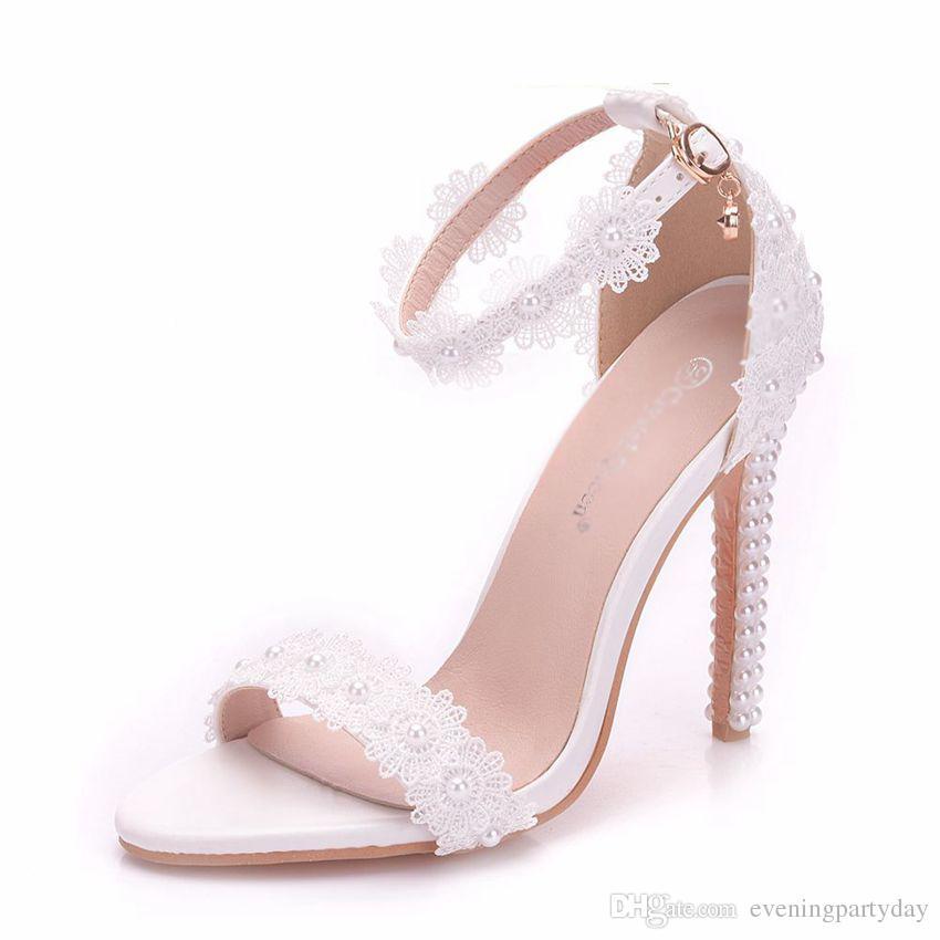 Mulheres Pérola Sapatos de Casamento Rendas Finas Salto Alto Flores Brancas de Noiva Sandálias Das Mulheres de Verão Até Sapatos de Casamento Mulher