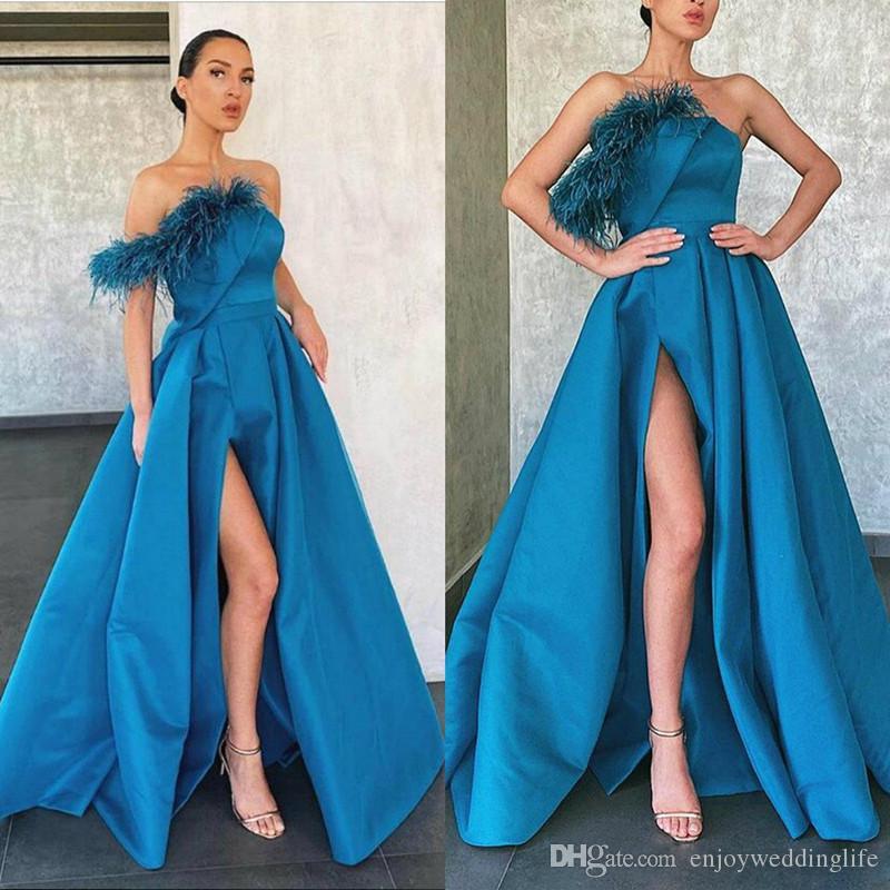 Abendkleider A Line Blue Prom Dresses Feather High Side Split Floor Length Formal Evening Dress Satin Ruffles Arabic Party Gowns