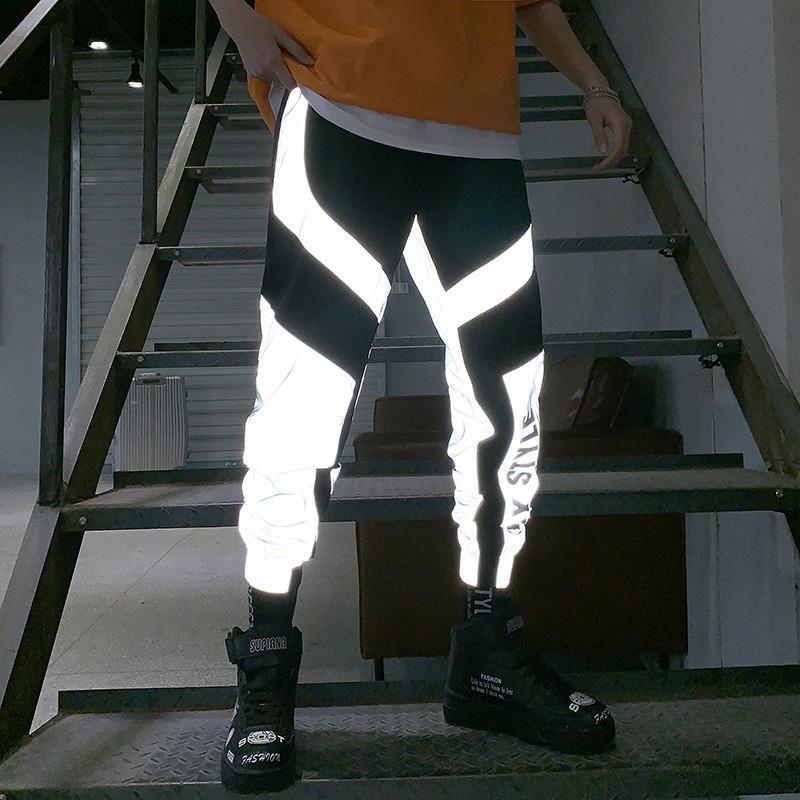 Pantaloni di modo di strada di grandi dimensioni a strisce riflettenti Pantaloni 2019 Hip-hop pantaloni casuali Tooling di sport degli uomini di pantaloni da uomo