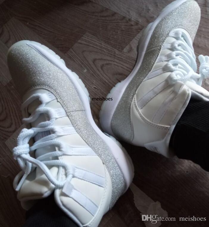 Air libéré 11 authentiques Blanc Argent métallisé WMNS Rétro gris 11S AR0715-100 Vastes Femmes Basketball Chaussures Baskets