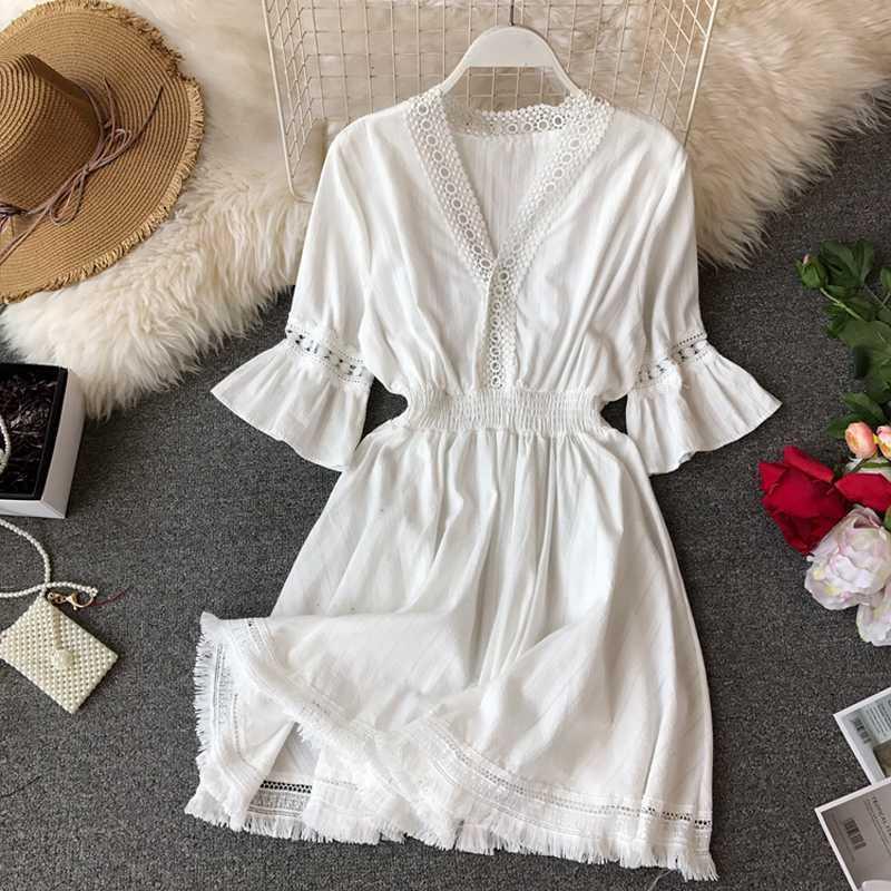 Bohemian платья Hippie Boho Белое платье Женщины Глубокий V шеи платье 2020 Linen лето Robe Femme кисточкой Vestidos Sexy Beach Одежда