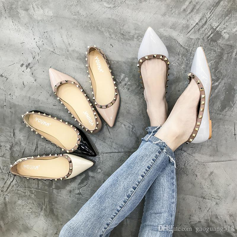 2019 Европа и США осень заклепка заостренный мелкий рот плоские туфли студент мода ленивый обувь