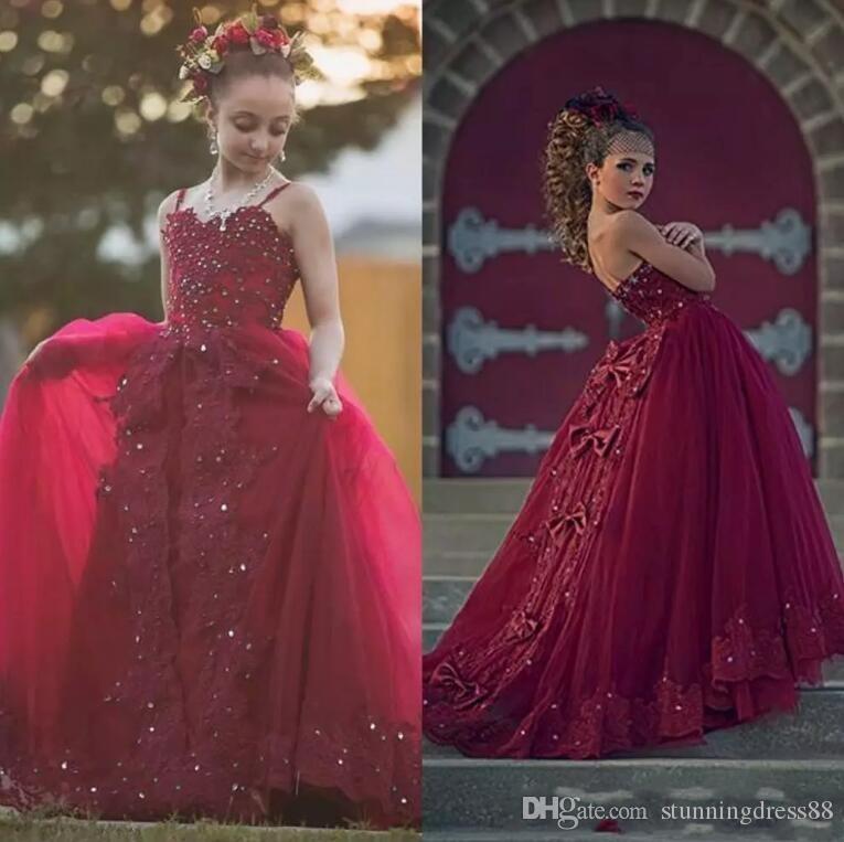 Мода Бургундия аппликация Кружева цветок девочки платья 2020 с бретельках Тюль луки Backless бисером Sequin детей первого причастия платье