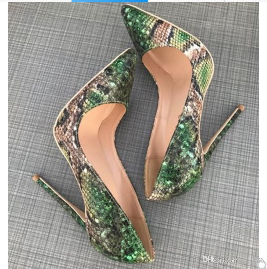 2019 Novo tipo de pele de Cobra Verde Calcanhar fino Cusp boate das mulheres sapatos de salto alto vestido de dança Sandálias 12 cm 10 cm 8 cm tamanho grande 44 fundo vermelho