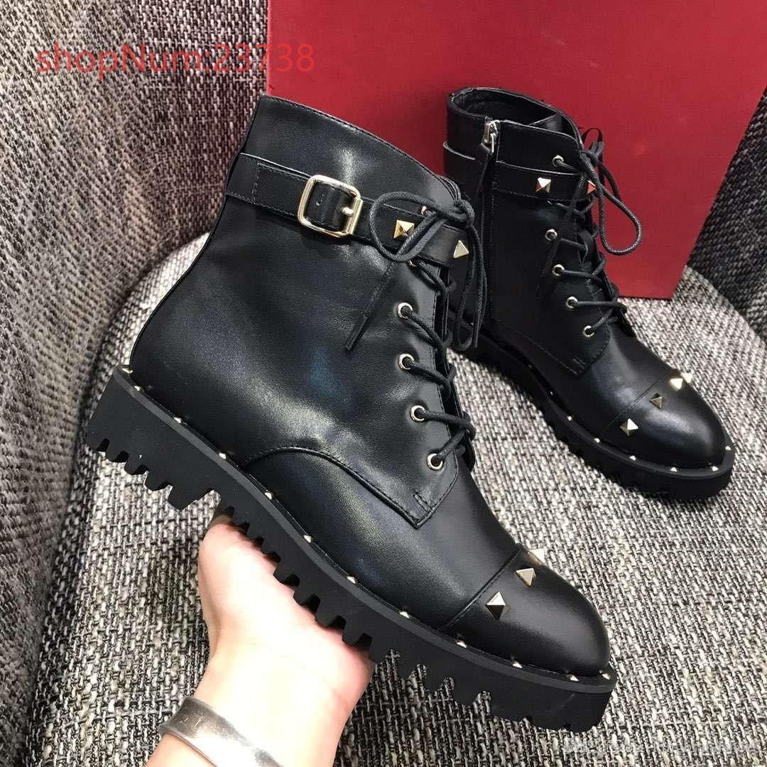 Новейшие 2019 Classic Martin кожаные сапоги заклепки серии роскошных женщин способа ботинки высокого качества ботинки платформы женщин сапоги черные