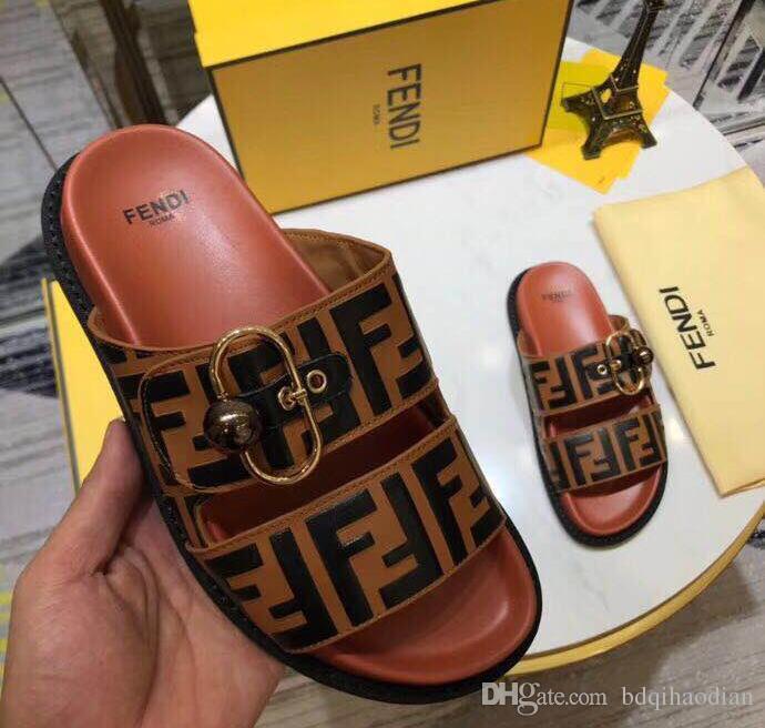 Forman los zapatos clásicos de la marca de las mujeres de diapositivas plano ocasional sandalias de cuero más nuevo deslizador de interior Hotel Beach