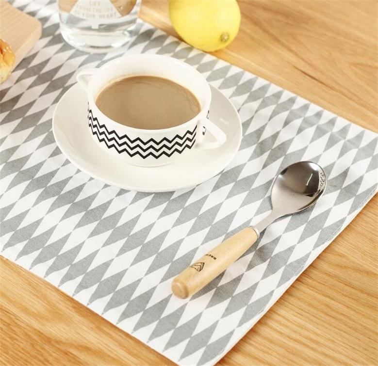 100% Cotton Insulation Pad Simple And Generous Geometric Patterns Placemat 38*29.5cm Classic Eat Mat Creative Kitchen Tool