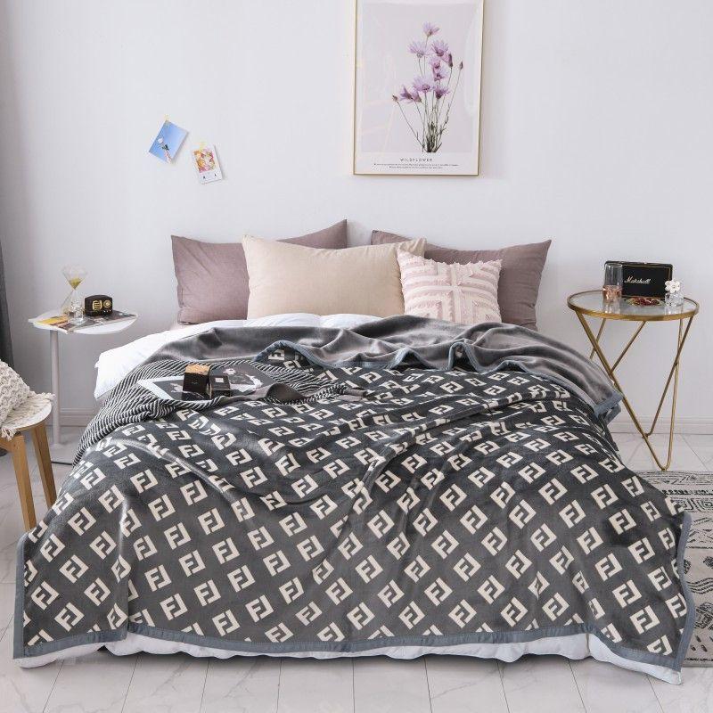 Cobertor de moda com impressão suave e quente Início Blanket para Blanket Estilo Car Outono Inverno INS 2 Tamanhos