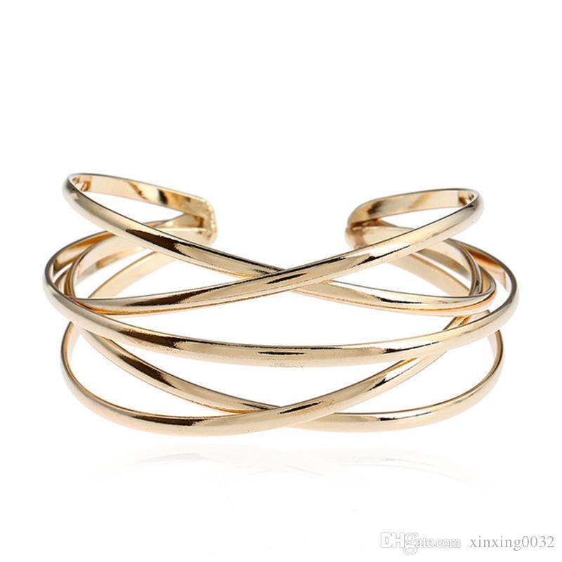 Metall Offen Armband personalisierte Hohle Weinlese-Armband-Armband Europa und Amerika heiße Art und Weise Hand Schmuck Großhandel