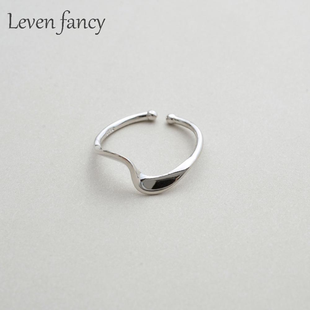Authentic Sterling Silver 925 Mobius Twisted Personalized Rings for Women Beautiful Fine Jewelry Anillo Mujer Ring