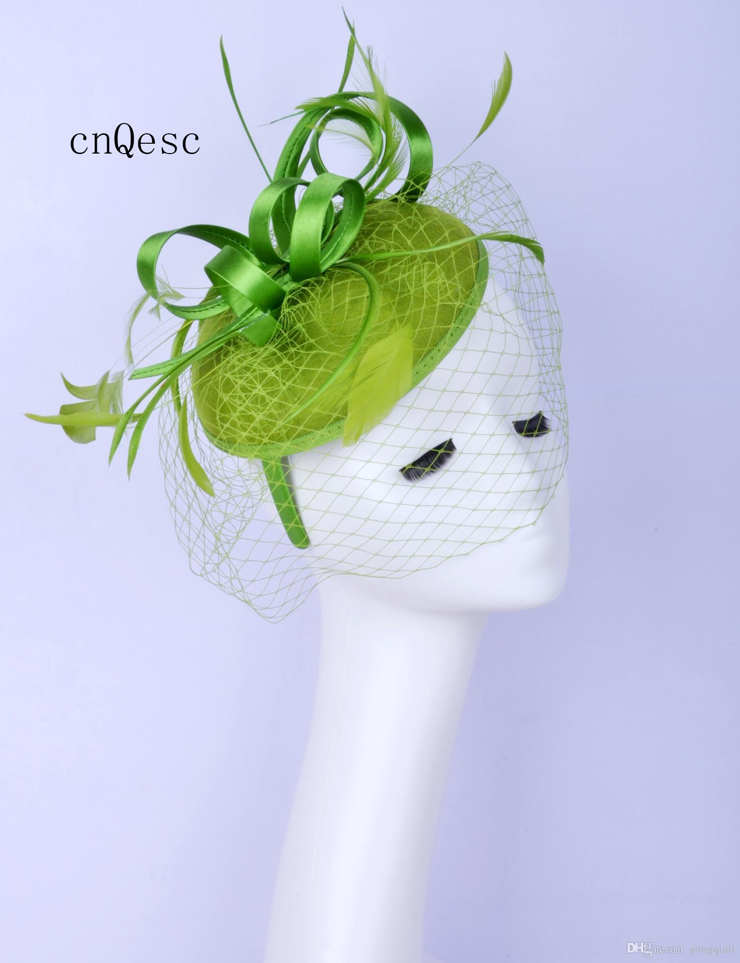 2019 Cappello in feltro verde oliva con feltro per cappello da sposa per sposa, madre della sposa con piuma.