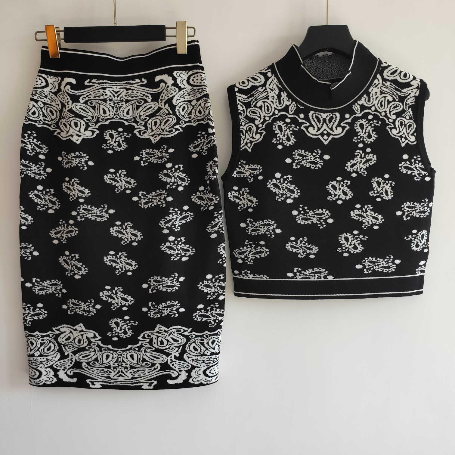 Designer Damen Zweiteiler Kleider der neuen Ankunfts-Art und Weise Frauen-T-Shirts + Kleider Sets S / S Damen Zweiteilige Sets Kleider Größe S-L YF20184