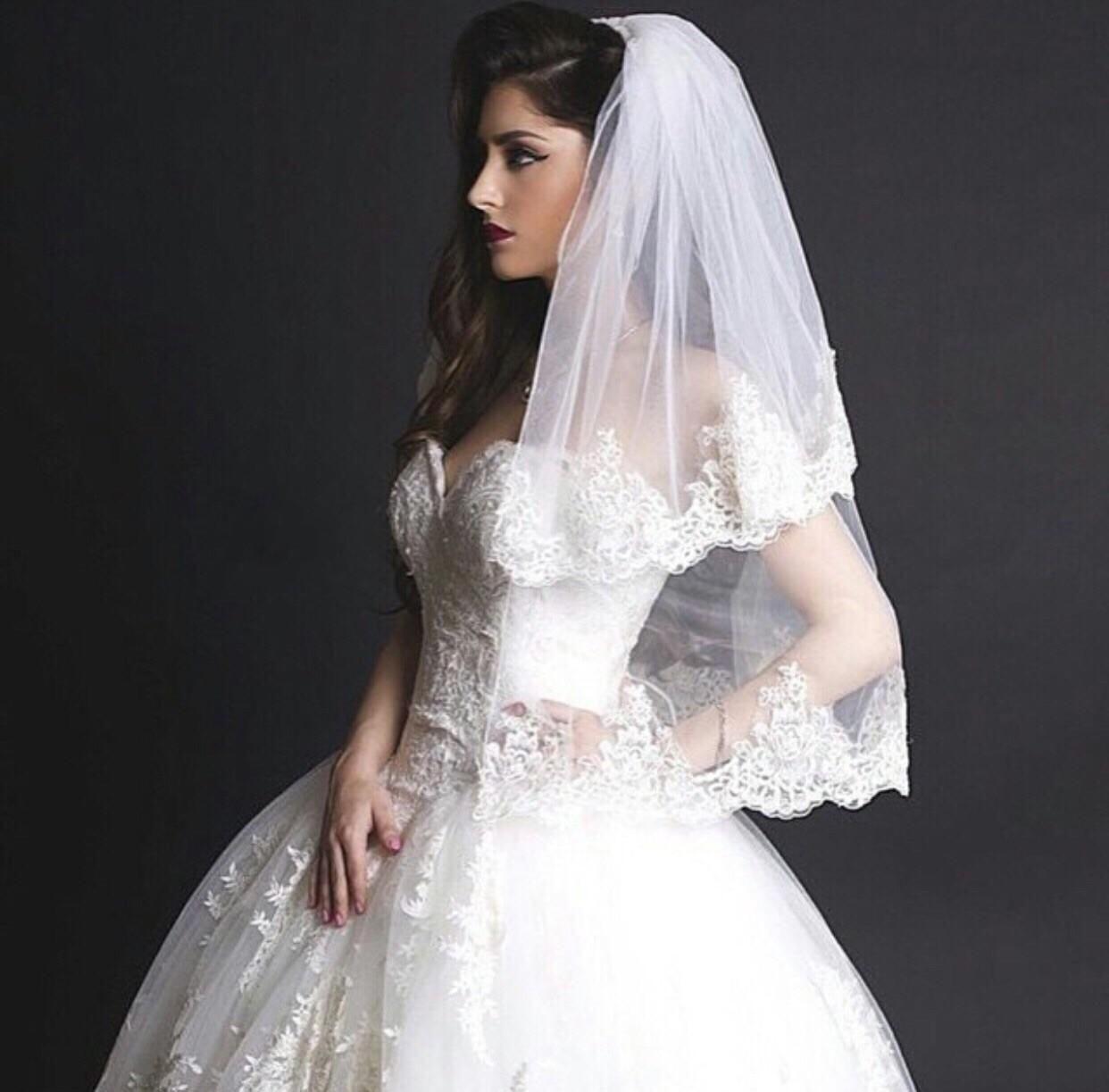 Voile court pas cher avec appliques longueur de coude Voile de mariage avec peigne 2 niveaux Voile de mariée avec peigne Tulle Accessoires de mariée pas cher
