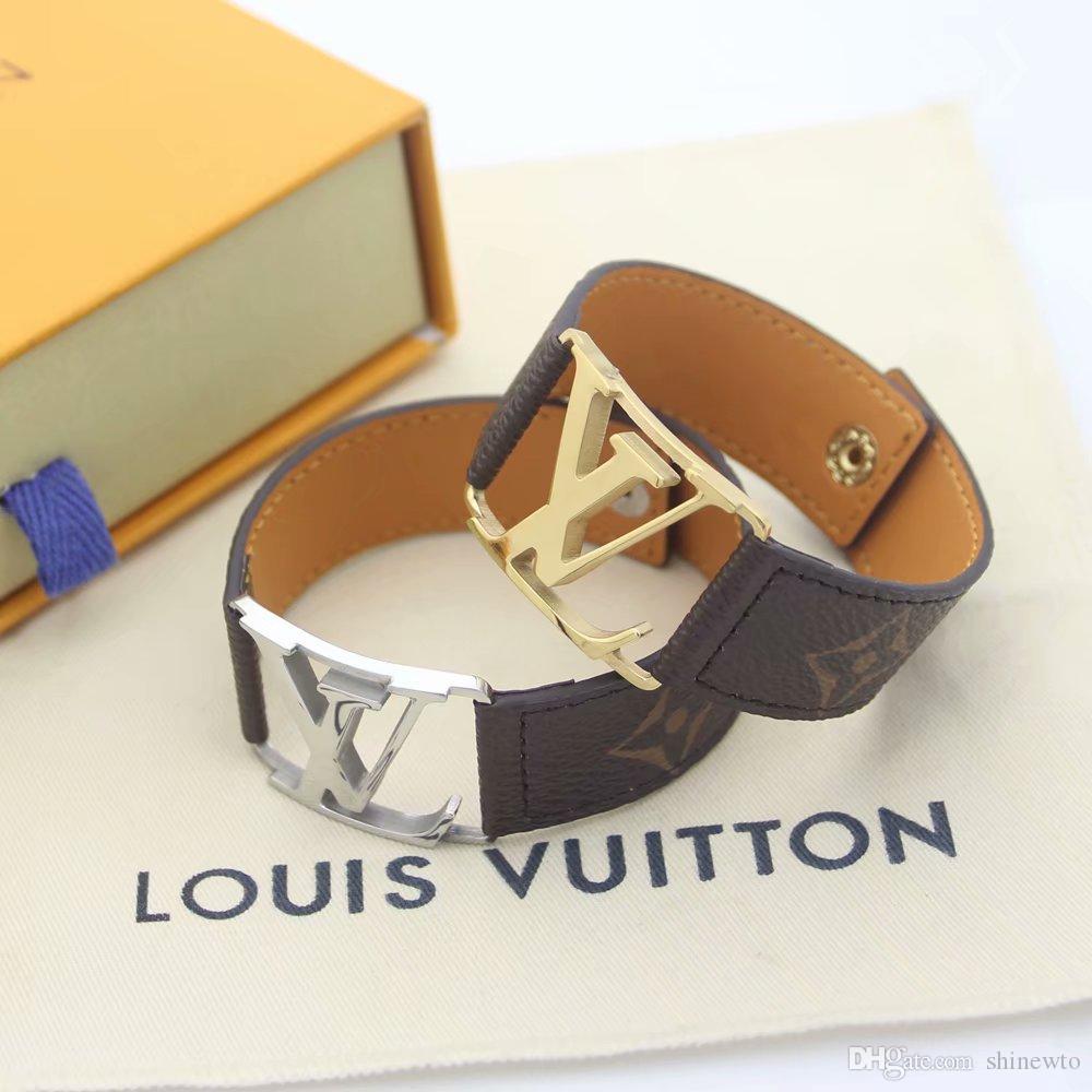 Hot Sale Marke Benannt Armbänder Lady Druck-Blumen-aushöhlen V Brief Entwurfs-18K Gold breite Lederarmband Armband-2 Farbe