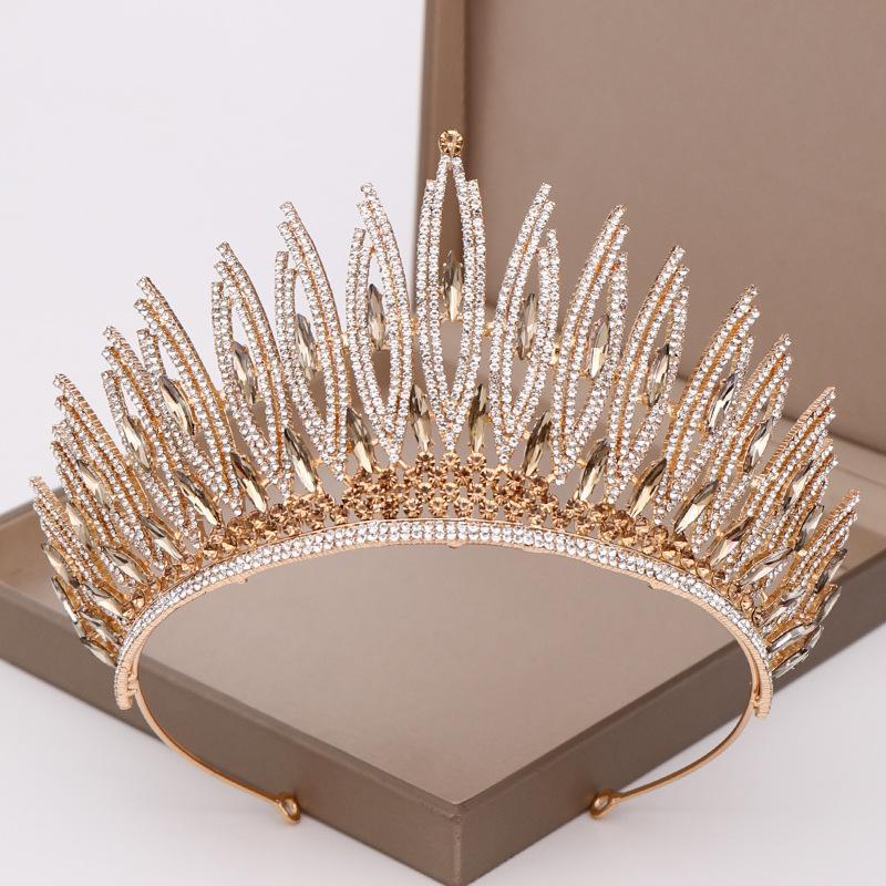 Moda Tiara Taç Lüks Prenses Düğün Saç Takı Gümüş Rengi Kız Kalp Büyük Kristal İnci Gelin Balo Kafa