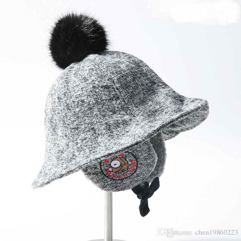 Çocuk havzası kap erkek ve kız kulak koruma artı kadife şapka sevimli nakış karikatür sonbahar ve kış yün sıcak yün topu