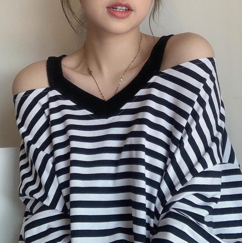 2 Farben 2020 Sommer weg von der Schulter koreanischer Art V-Ausschnitt lose Kurzarm-T-Shirts Spitzen der Frauen T-Shirt femme (y3805)