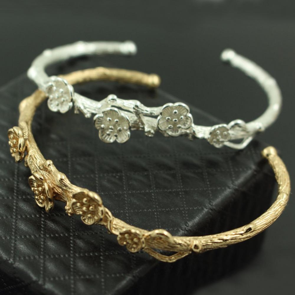 Retro aperto del polsino braccialetto del ramo del fiore della prugna focale in ottone tono metallico braccialetto Argento Oro Cosplay Vintage capelli ornamenti Corona