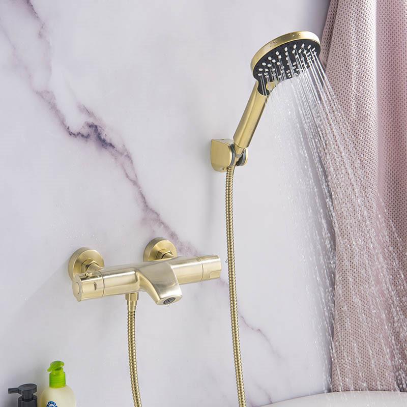 Температура Brass Constant ванной кран Настенный ванной кран смесителя С Ручной душ Смесители Set Матовый золотой / черный