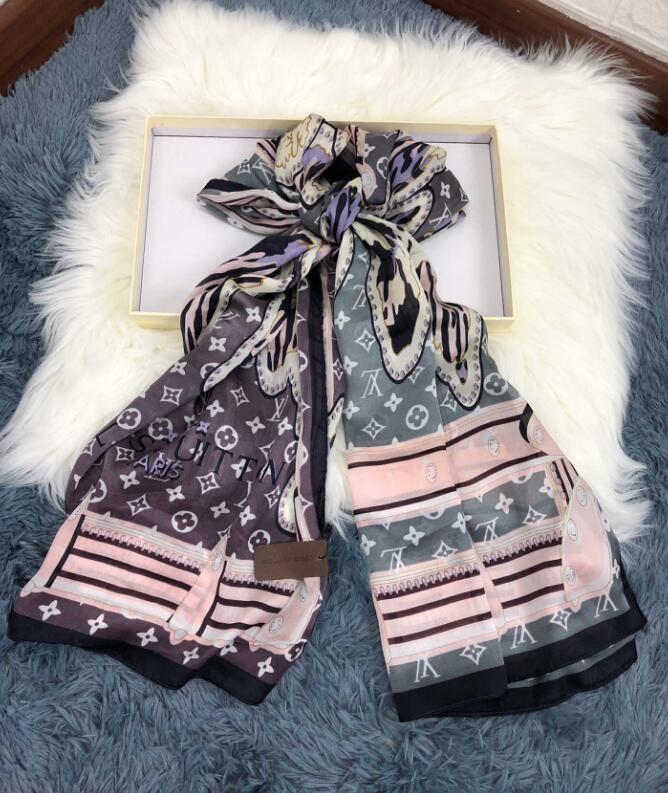 2020 sciarpa di seta Womens Moda uomo di lusso 4 stagioni dello scialle Lettera Marca Sciarpe Dimensioni 180x90cm 2 colori di alta qualità