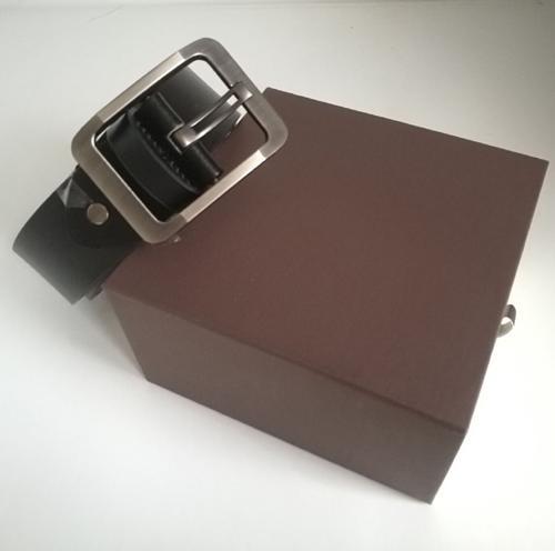 Raffreddare cinghie designer di lusso mens pelle cintura progettista cinghie di business grande fibbia in oro con la scatola