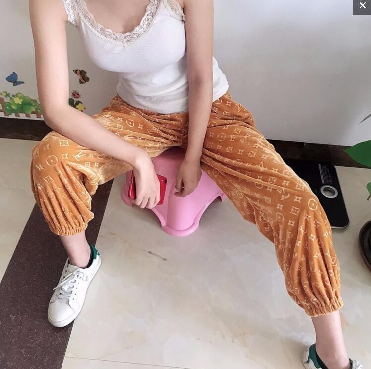 Kadınlar pantolon Seksi Kalınlaşmak sıcak elastik Ins ılık Moda marka seksi Günlük jimnastik pantolonu yüksek bel mop altın kadife Yumuşak Geniş bacak pantolon Soğuk