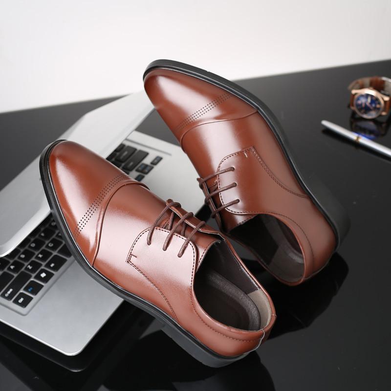 Sıcak Sale-37-48 Erkekler İş Ayakkabıları Deri Sivri Burun Yüksek Kalite Zarif Erkek Siyah / Kahverengi Oxford Ayakkabı Erkekler için Gelinlik